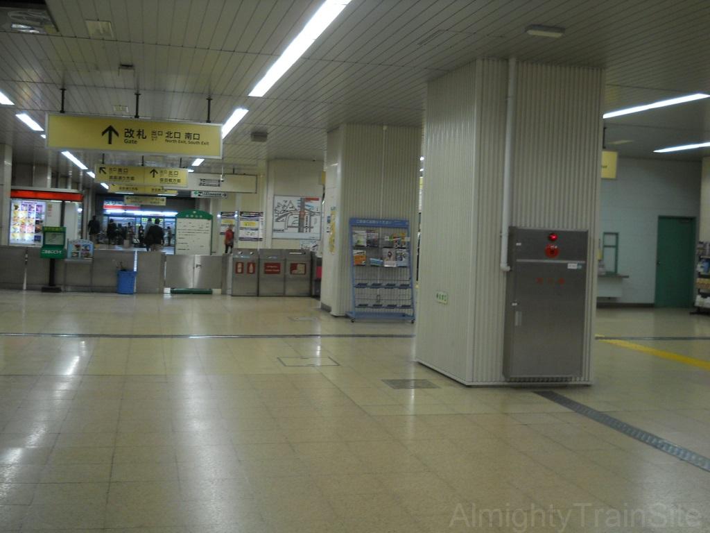 nishi-takashimadaira-inside