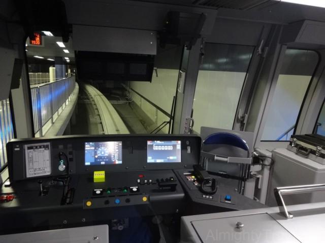 10000_cockpit