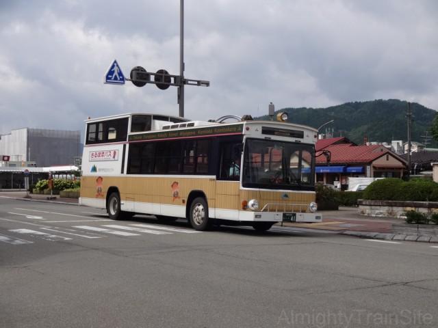 takayama-bus