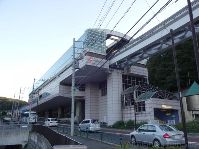 tama-dobutsu-koen-monorail-sta