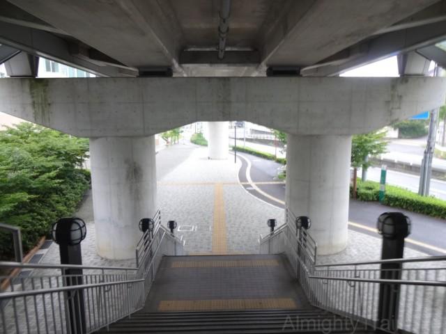 obata-ryokuchi-kaidan