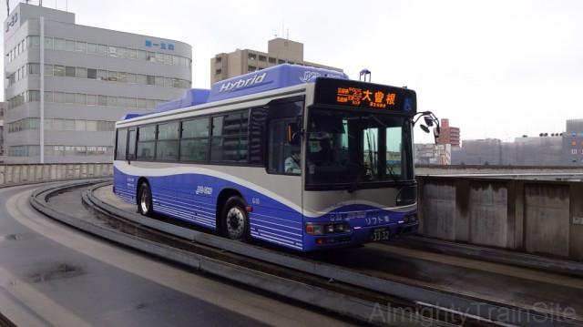 yutorito-line2