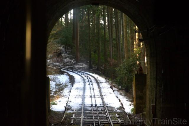 トンネルもあるぞ!