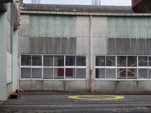 nishi-karatsu-garage