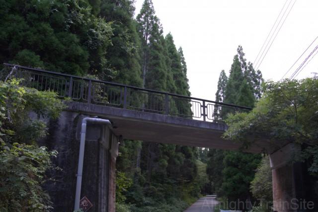 あとのせサクサクな歩道橋