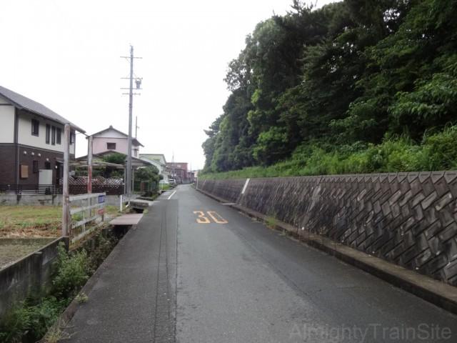jidosha-gakko-mae-road