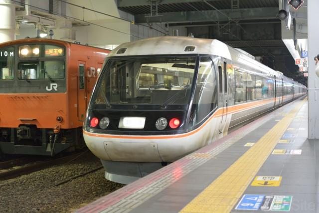 これを撮るために、大阪-新大阪の往復の乗車券を車掌に発券してもらった。