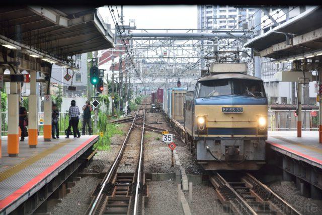 貨物列車ですね・・・ はい・・・