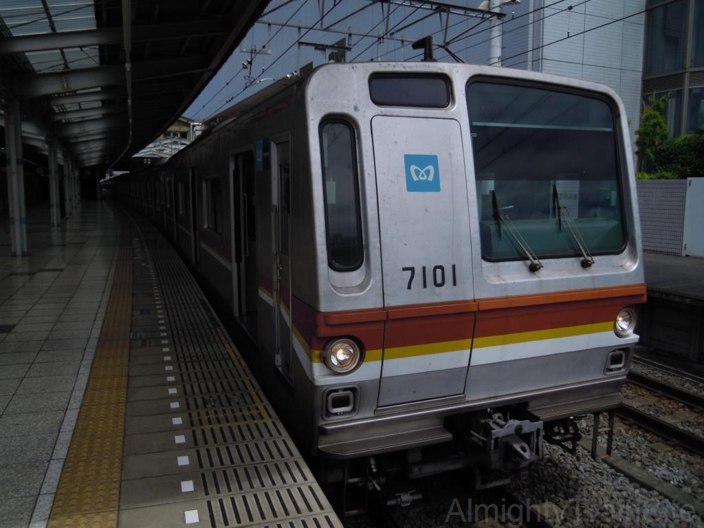 概要 1971年から量産車の製造が開始された、営団地下鉄(現在の東京メ... 東京メトロ7000